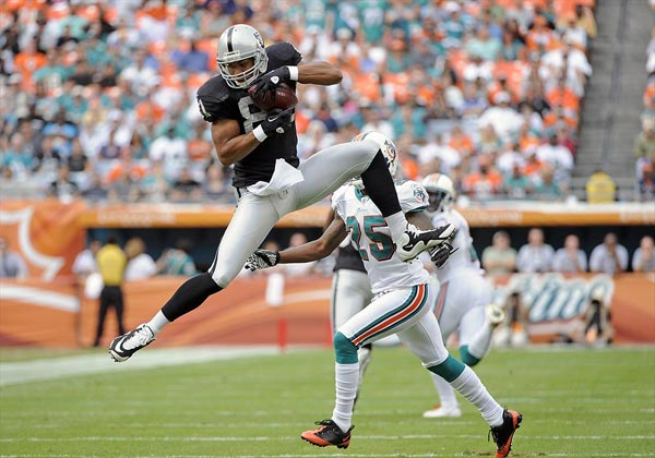 Oakland Raiders wide receiver Chaz Schilens