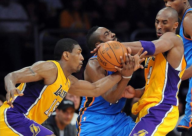 LA Lakers Not Title Favorites -- Even With Dwight Howard