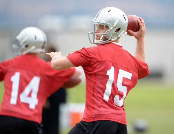 The Oakland Raiders Quarterback Controversy