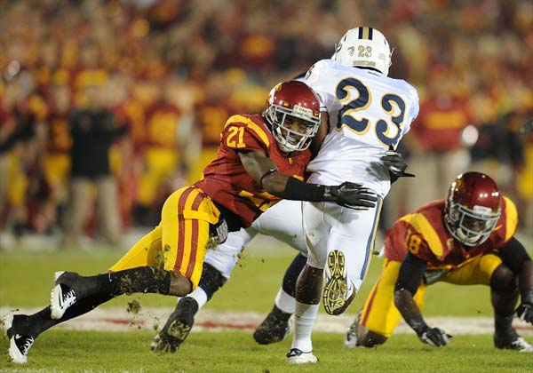 USC Nickell Robey tackles UCLA Johnathan Franklin